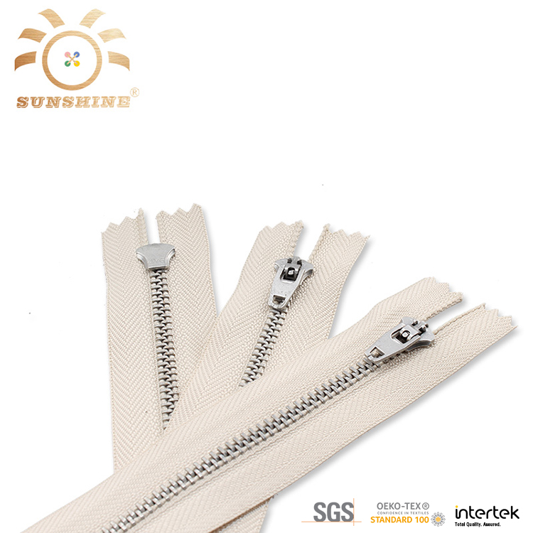 High quality fancy ladies clothing metal zippers